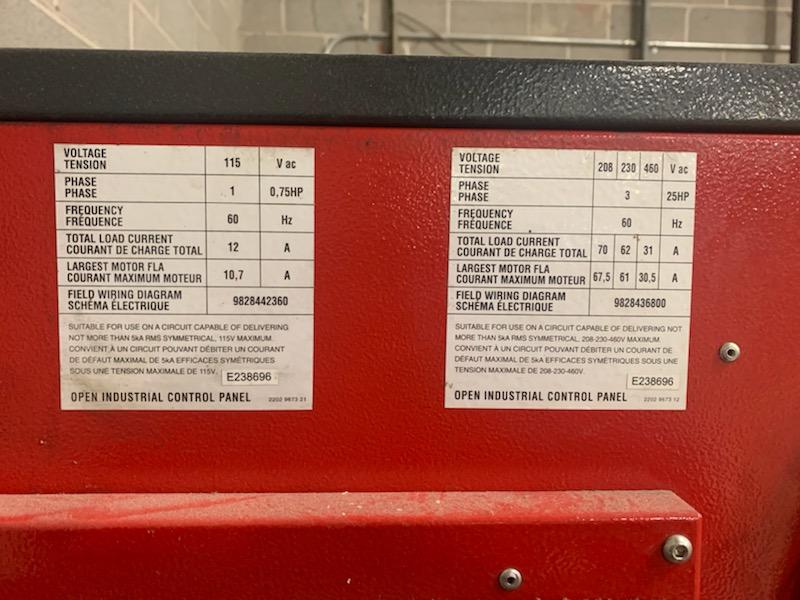 CHICAGO PNEUMATIC 25 HP ROTARY SCREW AIR COMPRESSOR