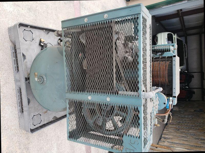Twin pump piston electric air compressor