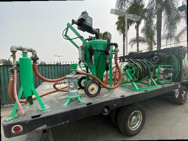 Mobile dustless blasting  truck